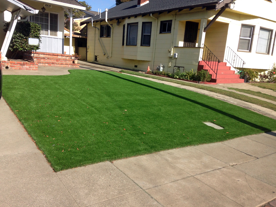 Installing Artificial Grass Dilley Texas Roof Top Front Yard Design