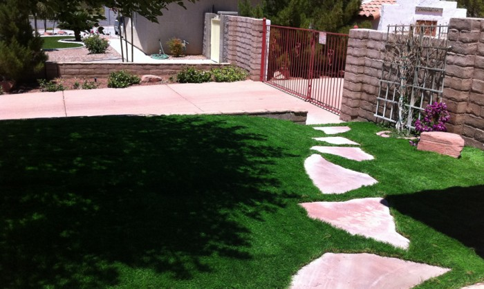 Synthetic Grass for Landscape Lawns San Antonio, Texas